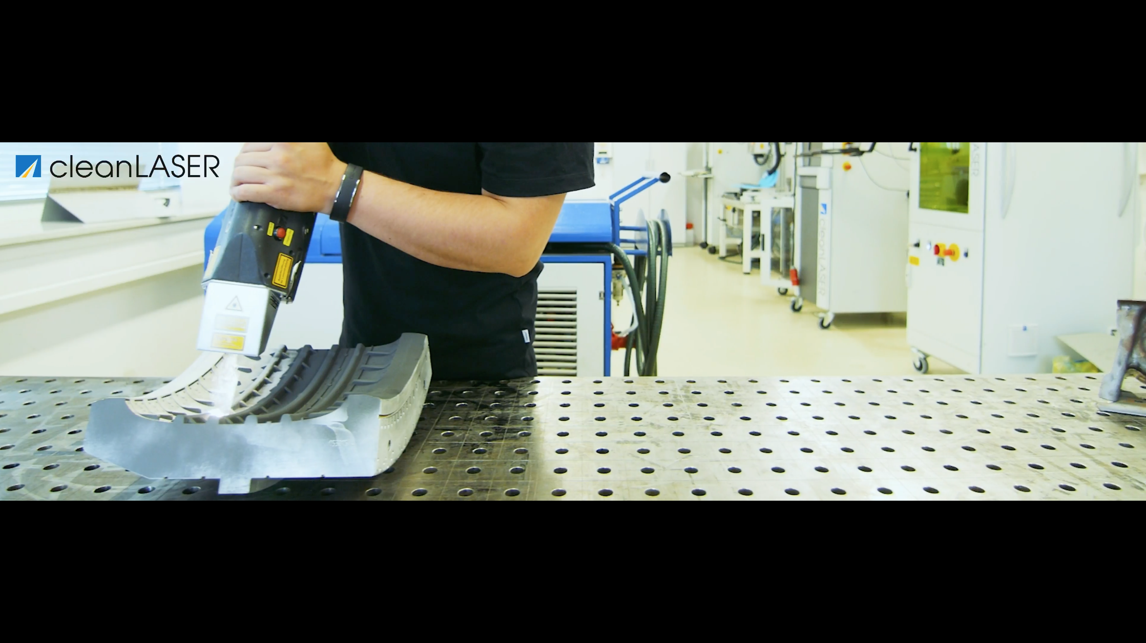 Limpieza de moldes de neumáticos con láser